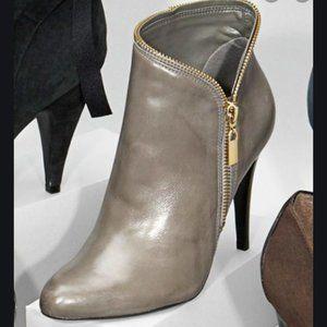 Carlos Santana slate gray zipper ankle booties